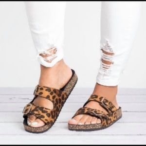 Leopard 2 Buckle Slides
